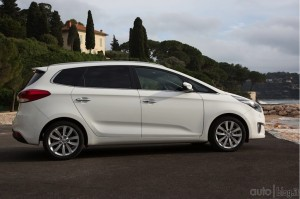 kia-carens-10jpg_small