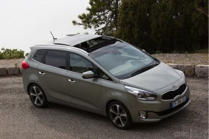kia-carens-20jpg_small