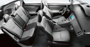 2015-Toyota-Prius-Interior-2
