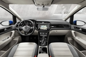 2015-vw-touran-10jpg_small