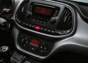 Fiat-Doblo-2015-2016-Interior-1