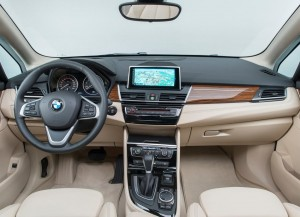 BMW-2-Series-Gran-Tourer-2015-2016-salon-4