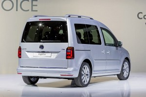 Volkswagen-Caddy-2015-2016-back