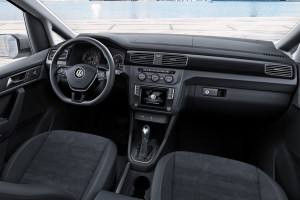 Volkswagen-Caddy-2015-2016-salon