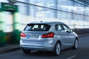 2016-BMW-225xe-Active-Tourer-27-750x500