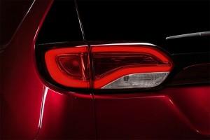 Chrysler-Pacifica-2016-2017-9-min