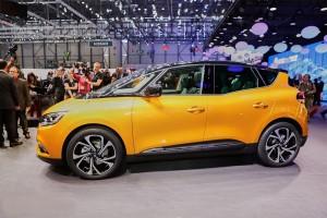 Renault-Scenic-2016-2017-4-min