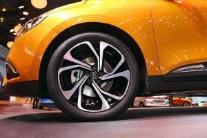Renault-Scenic-min