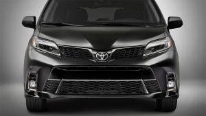 Toyota-Sienna-2018-4-min